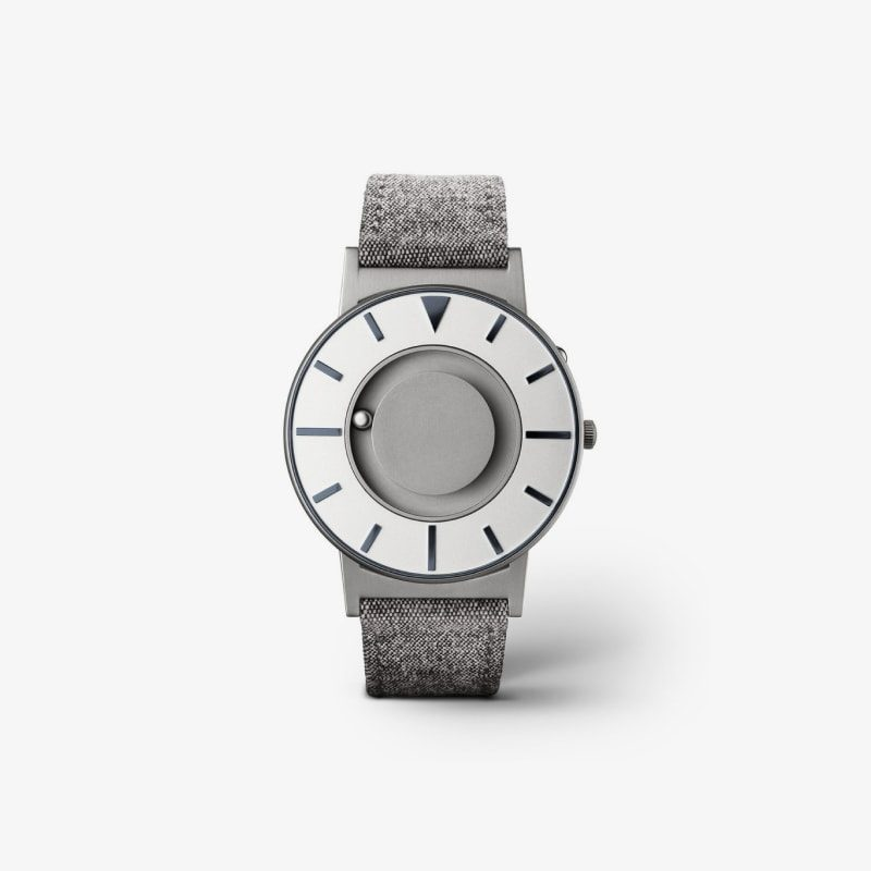 Modern canvas watch