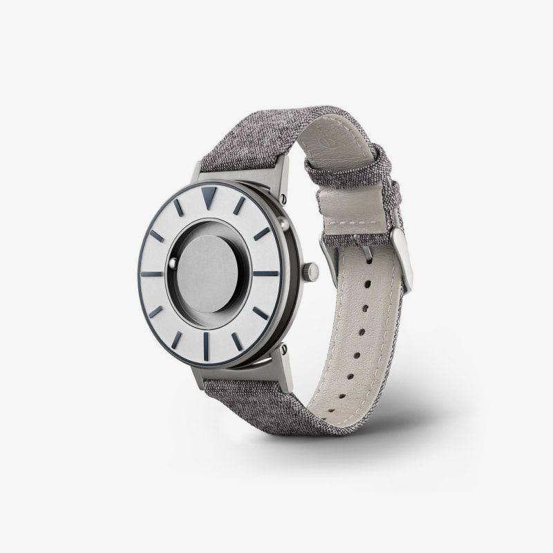 Modern canvas watch